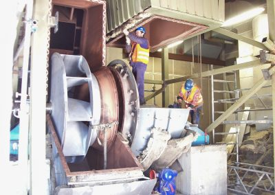 Austausch eines Rotors in einem Radialventilator für Kraftwerksrauchgas