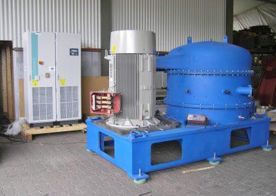 Prallrotormühle zur Altreifenzerkleinerung beim Testlauf