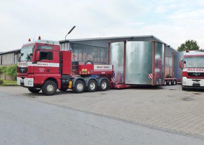 LKW-Transport mit Überbreite