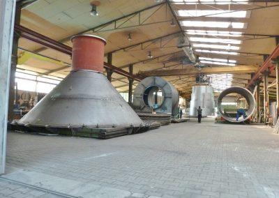 Produktionshalle mit Großbauteilen