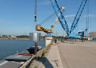 Verladung im nahegelegenen Rheinhafen Krefeld